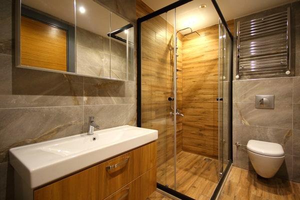 Comment décorer une salle de bain contemporaine ?